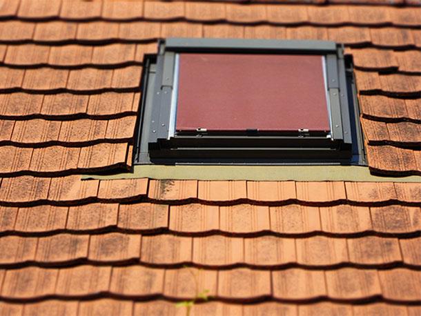 得する屋根知識「天窓」ありかも。一軒家の天窓に10年間反対してきた屋根屋が考察。天窓の進化が止まらない!