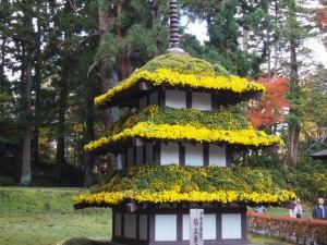 お花で出来た三重塔