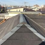屋根専門店の葺き替え工事は、防水シートでさえ、ただ貼ってるだけではありません。