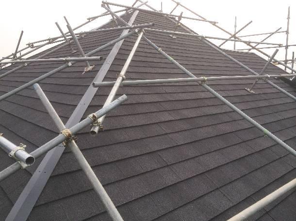 金属屋根材「ディプロマットⅡ」性能と葺き上がりをご紹介!重葺だけでなく新規屋根材としても高性能!【カバー工法】