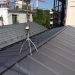 金属屋根葺き替え工事。あと20年安心して住むなら定期的な塗装も必要です。