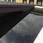 防水屋根の排水口が詰まりプールのような状態に!そして室内に水漏れ!!相談したのは石川商店さんでした。