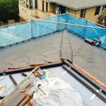 雨ニモマケズ、平板瓦LLローマンの隅棟施工です。
