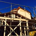 見た目にも機能にも重要です!瓦屋根の断熱性にも関わる瓦桟と、雨漏りを防ぐ板金の取り付け。