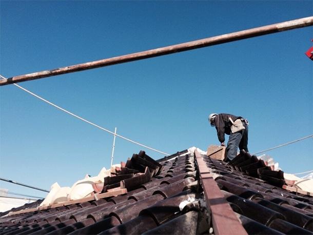 横浜市港北区で現在施工中のS型瓦の棟・しっくいの取り直し工事の中間検査に行ってきました!