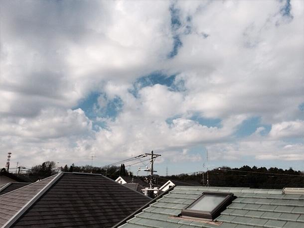 横浜市都筑区に屋根の雨どいの交換工事で行ってきました!