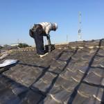 東京都杉並区で日本瓦から日本瓦への地震に強い屋根にするリフォームで葺き替え工事をしています。