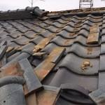 東京都目黒区で昨日の地震による瓦屋根の棟崩れ発生!お客様のご依頼で現場に急行しました!