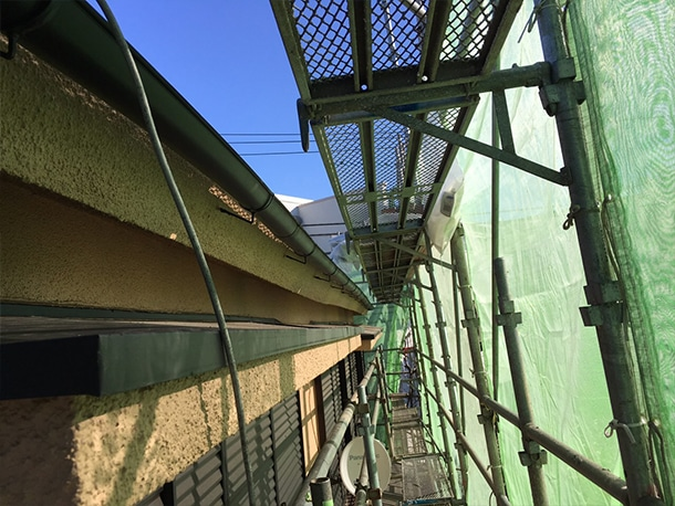 東京都杉並区、屋根雨どいの交換工事1