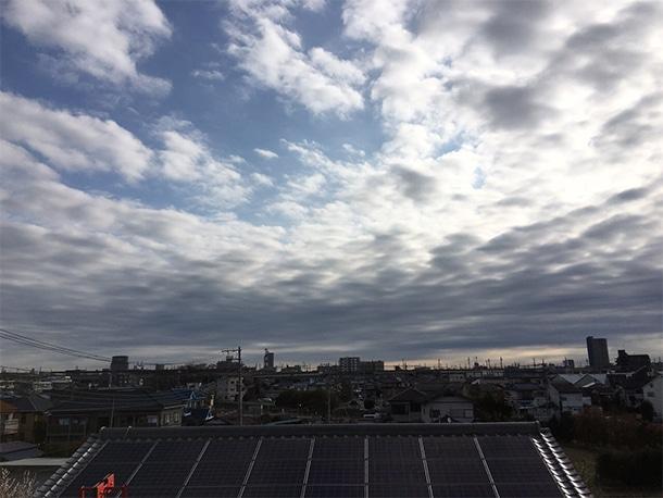 さいたま市桜区でスレート屋根の葺き替え工事をしています。