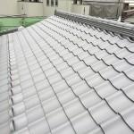 東京都杉並区で日本瓦から日本瓦への地震に強い屋根リフォームの葺き替え工事は棟瓦を仕上げて工事完了です。