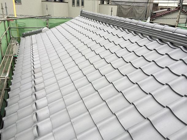 東京都杉並区、日本瓦への耐震屋根リフォーム、葺き替え工事、棟瓦の仕上げ1