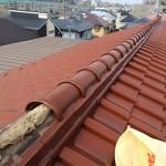 ラバーロックは偽りの耐震化工事。東京都杉並区で和型の釉薬瓦の屋根の棟を取り直し。これが本当の耐震化工事です。