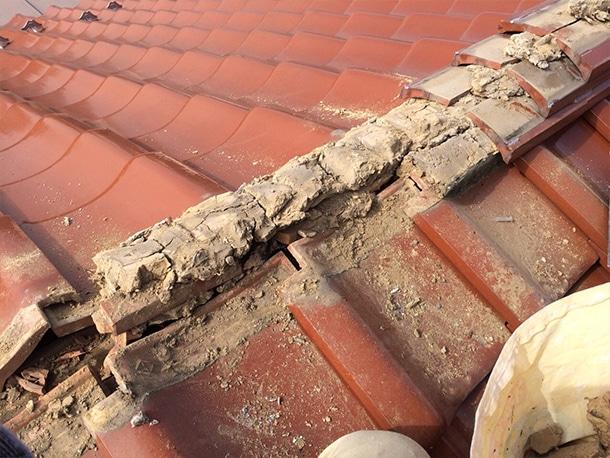 東京都杉並区、和型の釉薬瓦、屋根の棟取り直し耐震化工事4