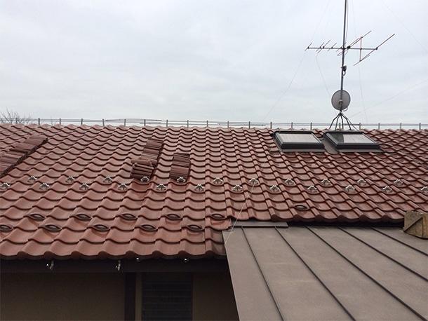 東京都杉並区、和型の釉薬瓦の屋根の棟の取り直し、ガイドライン鉄筋工法、安心で確実な耐震化10