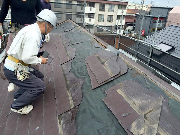 【密着】屋根材を全交換する「葺き替え」って具体的にどんな工事?実際のスレート葺き替え現場に事務員がお邪魔してみた