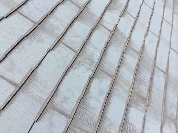 Q. アスベストが入った屋根材って急いで剥がして撤去すべきですよね?
