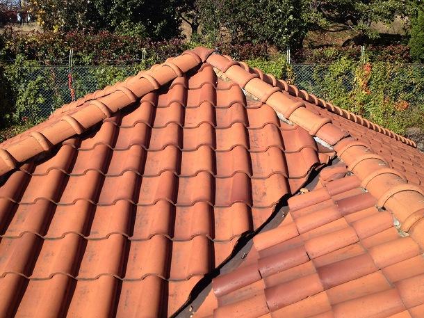 Q.瓦屋根の漆喰を入れ直して欲しいんですが、来てもらえますか??