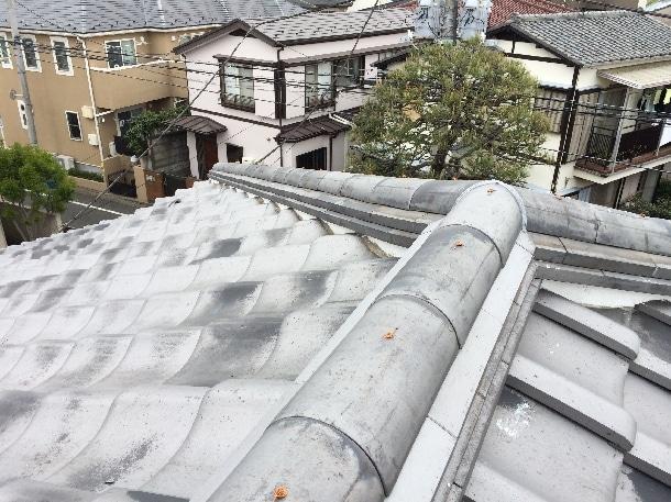 Q. 瓦の棟が崩れてしまっています。修理できる方を探しているんですが、そうした瓦の工事は可能でしょうか?