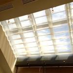 Q. トップライトの交換って、屋根の張り替えも一緒にしないとダメなんですか?
