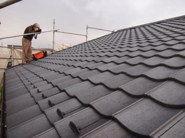 Q. 屋根材、何がいいかで悩んでいます。ROOGAとシングルで悩んでいるんですが、どちらがいいでしょう。