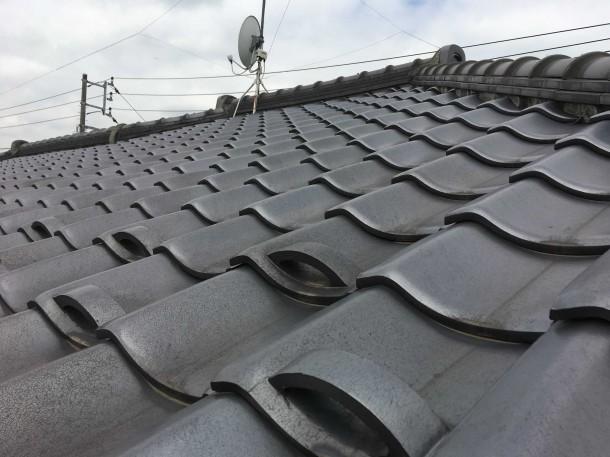 雨漏りの原因に?漆喰が剥がれてると指摘を受けたお宅の屋根調査に伺いました