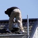 素人が屋根に登るのは危険? 最悪、何が起きてしまう?