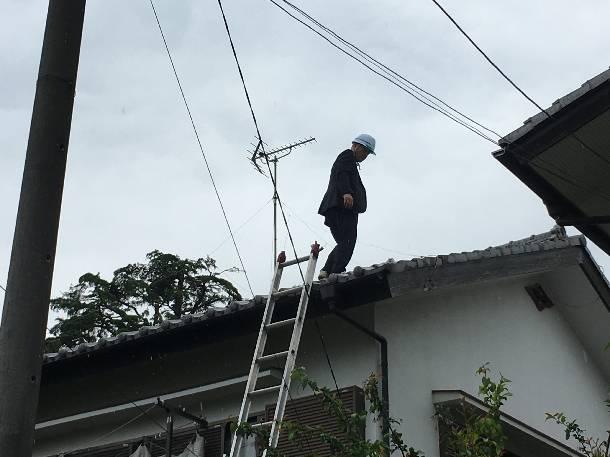 世田谷区成城でフルリフォーム検討中お宅の現地調査に来ています。