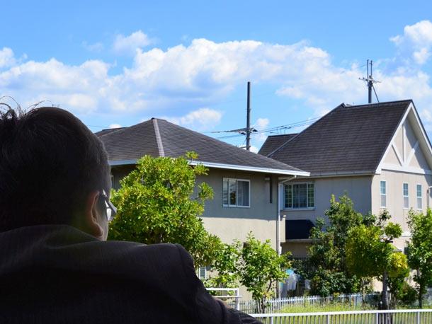 コロニアル屋根・スレート屋根の汚れ 訪問販売