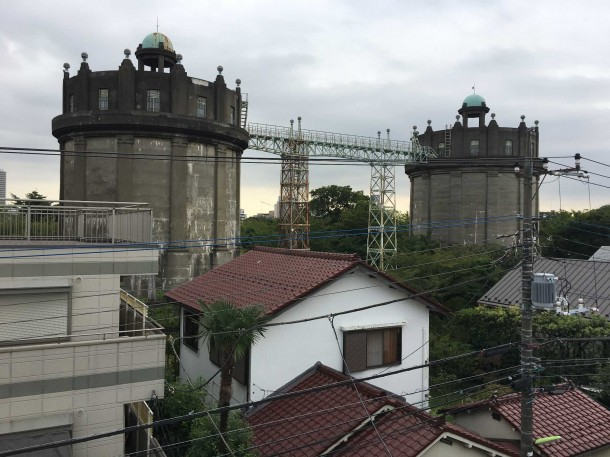 【世田谷区】屋根から見えた歴史的建造物の正体は...