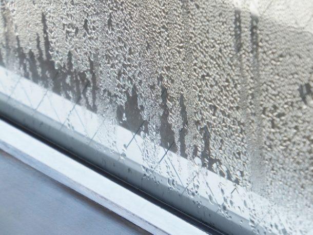 寒いと気になる結露。屋根の棟換気で抜本的に防止するのも一手。