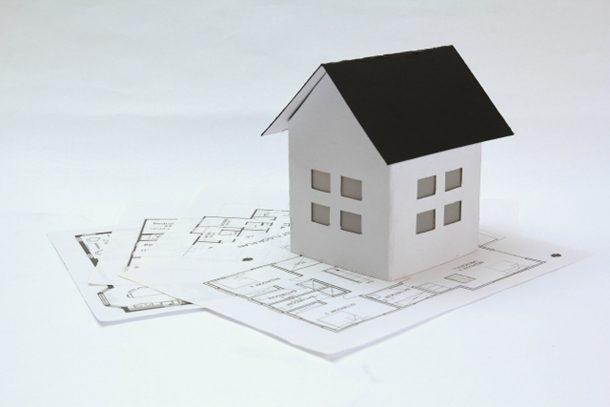 家を建ててから30年後、維持費が一番かからない屋根材は