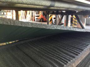 築30年、屋根を葺き替えるか、カバー工法にするか