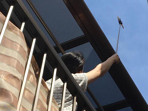 自撮り棒で屋根点検5
