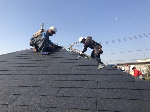 台風で一部が剥がれてしまった屋根の修理費の目安