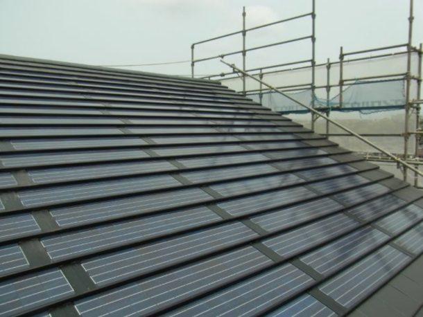 シャープ太陽光 瓦一体型