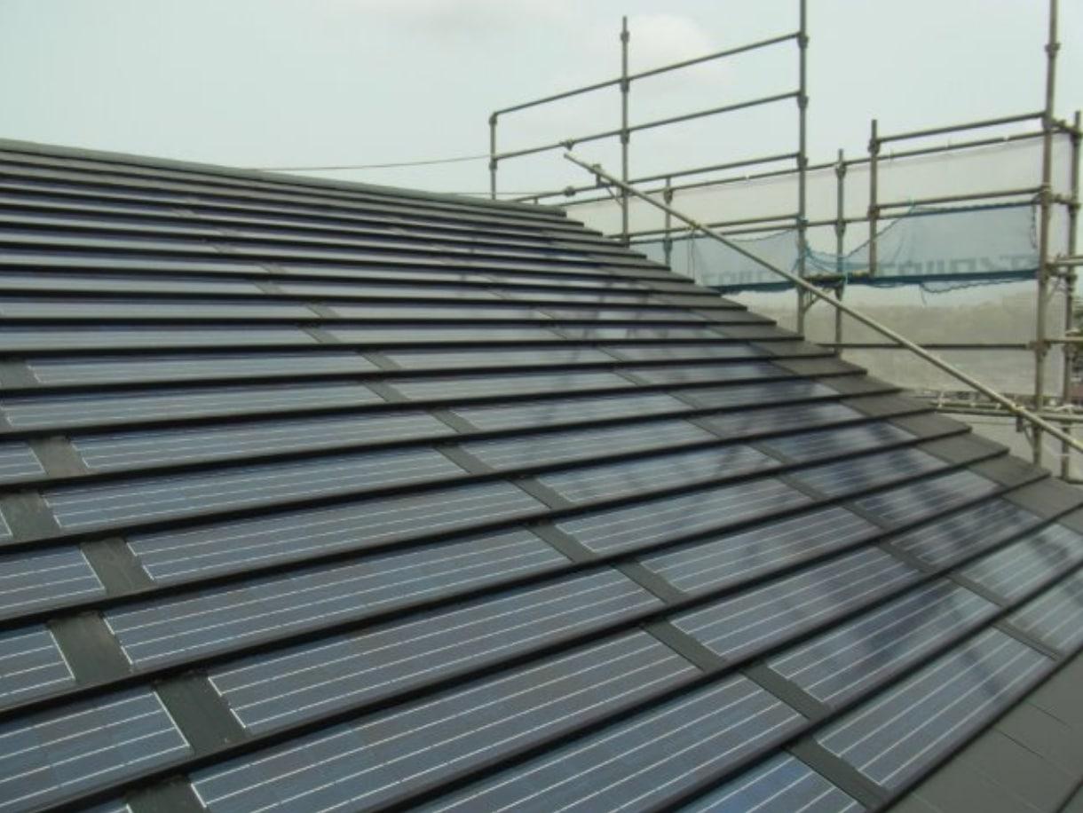 ソーラーパネル、太陽光発電システム 鋼板等なし型