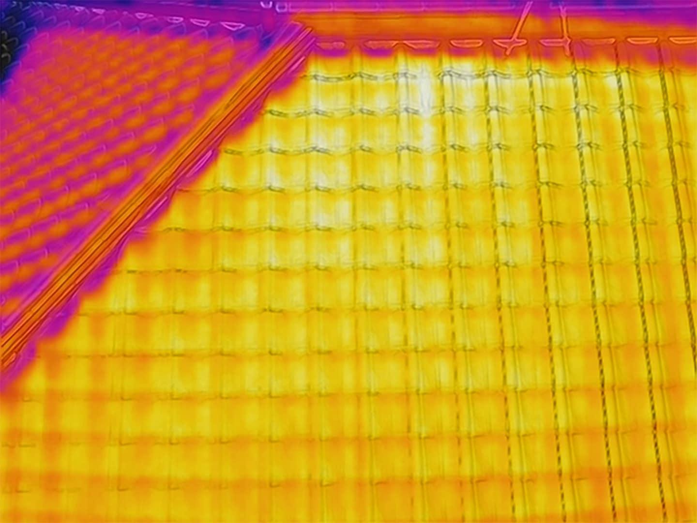 瓦屋根 赤外線カメラ写真