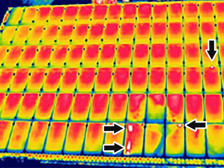 ソーラーパネル 赤外線カメラの写真サンプル1