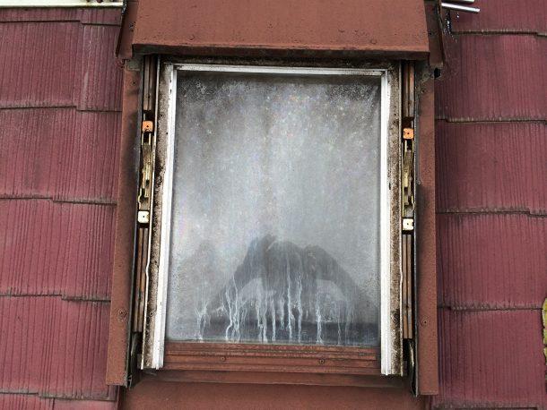 天窓雨漏り修理 ガラスパッキン修理1