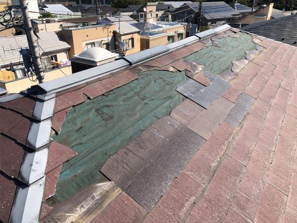 スレート屋根材が部分的に飛んだ事例②