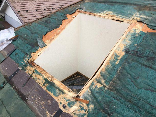 天窓交換工事事例 古い天窓の撤去