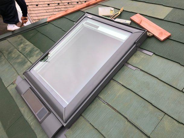 天窓交換工事事例 周辺屋根材の復旧