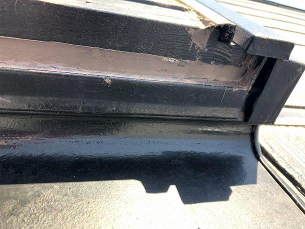 天窓NG修理 排水口にコーキング