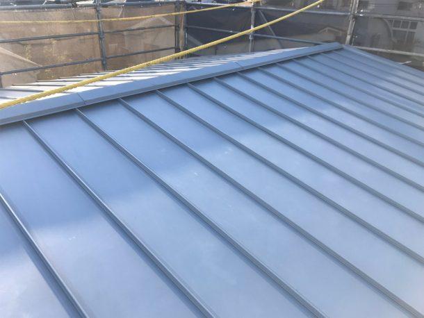 金属屋根材で、葺き替え