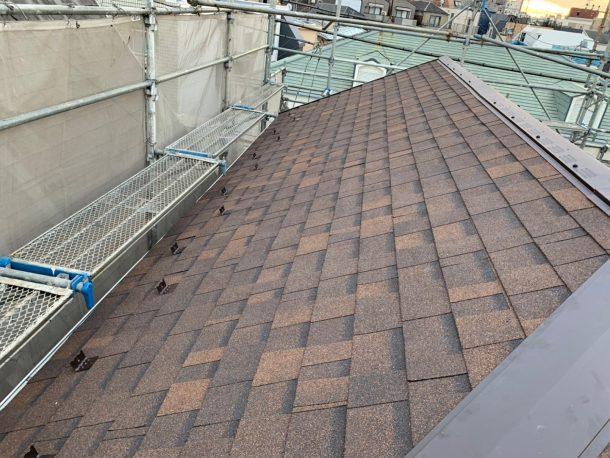 アスファルトシングル屋根材で、葺き替え