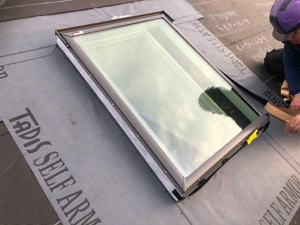 天窓交換、防水を、葺き替え工事で