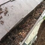 梅雨はじめは簡単雨樋セルフ点検の好機。詰まりは掃除、破損は補修の対応を。