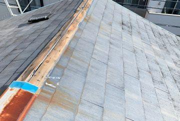 【東京都品川区】台風被災、スレート・コロニアル屋根、棟板金の交換修理工事の事例1