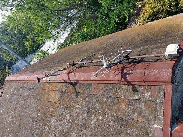 【横浜市中区】台風被災、スレート・コロニアル屋根、棟板金の交換修理工事の事例1